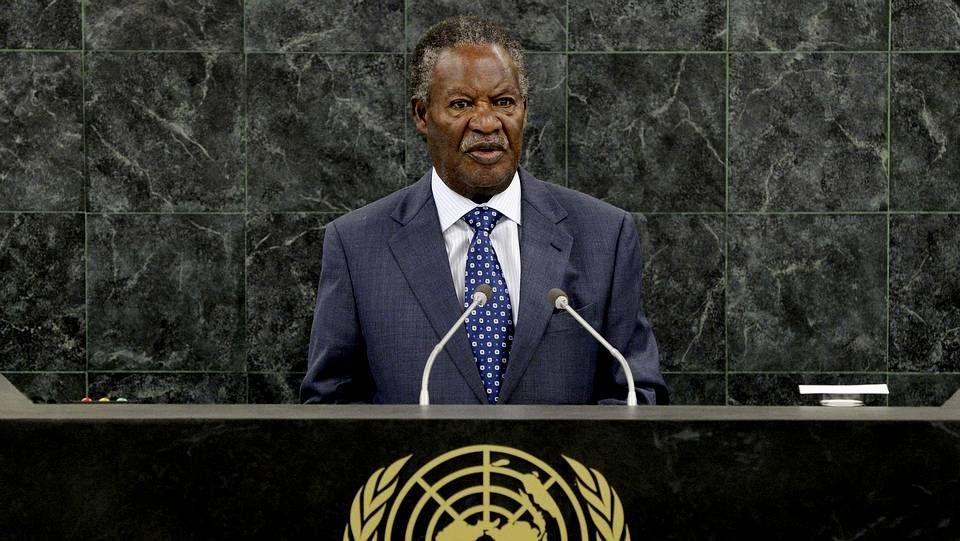 Los 10.000 kilómetros de Nicolás Merino por África.El presidente de Zambia, Michael Chilufya Sata
