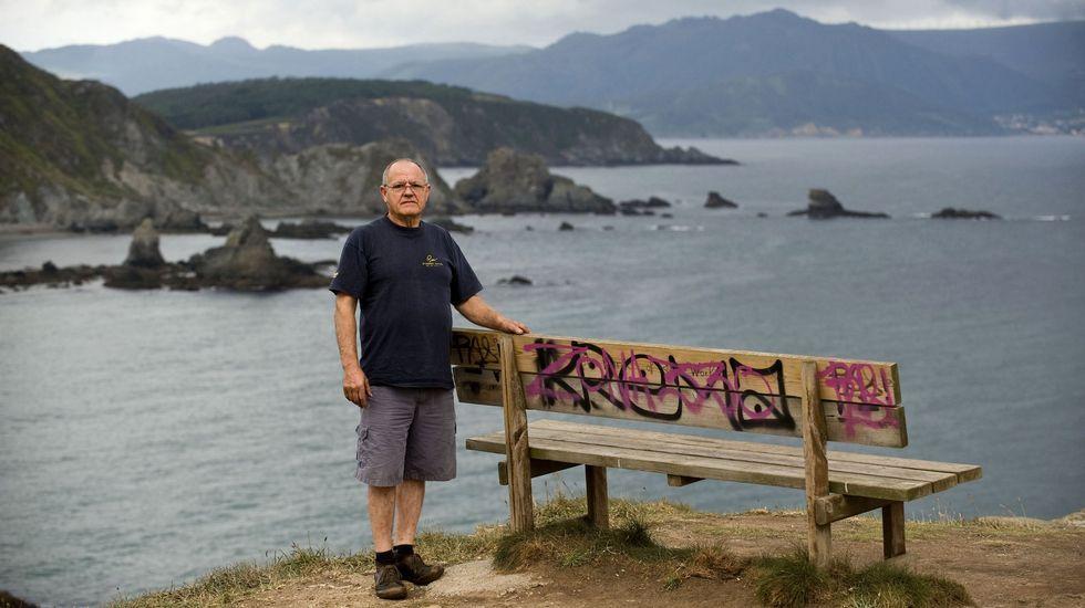 Rafael Prieto Fernández, artífice de la colocación en Loiba del banco más bonito del mundo