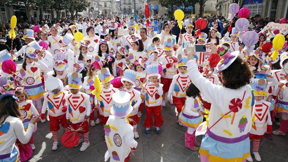 Desfile escolar de entroido en Verín.