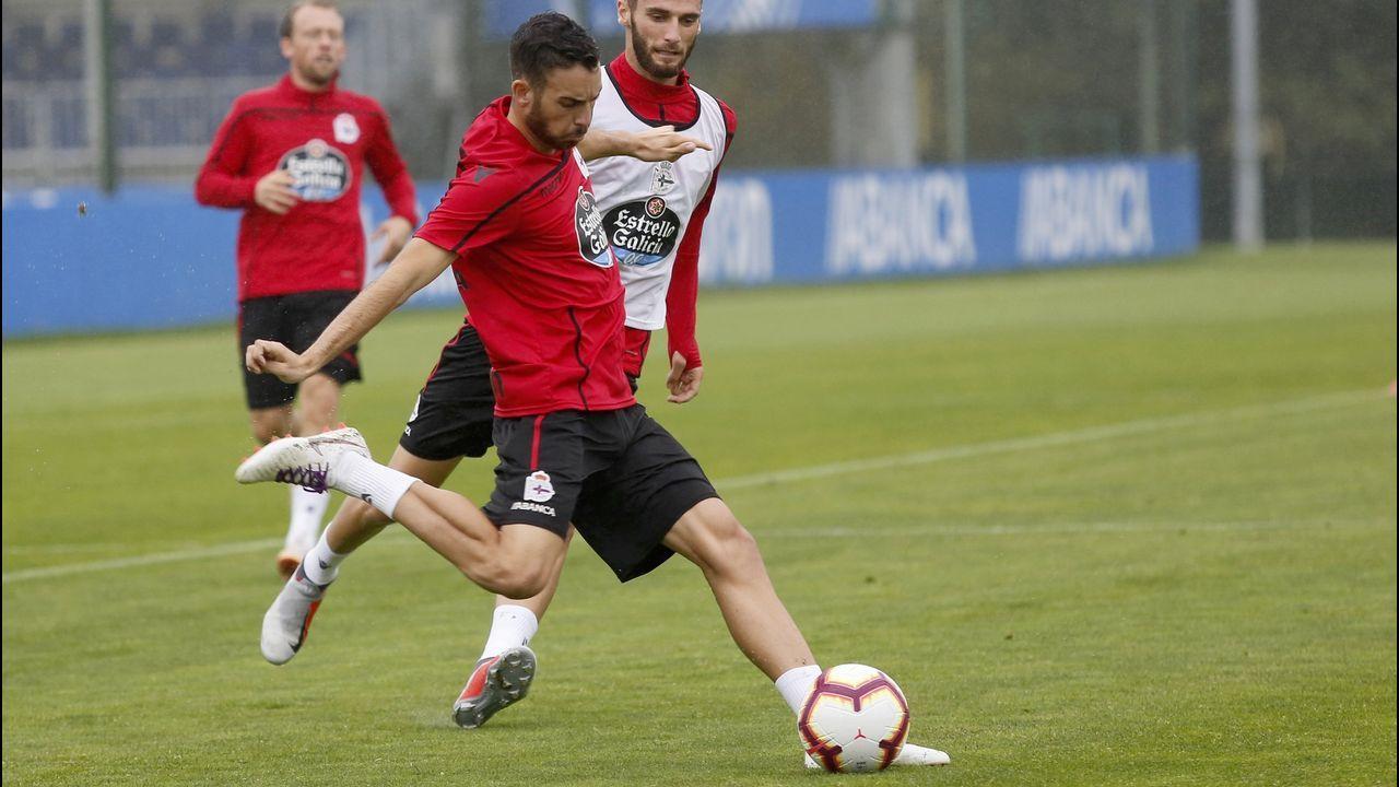 Los jugadores del Vetusta y del Oviedo Femenio celebran un tanto