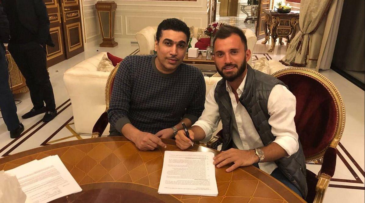 Çolak firma por el Al Wehda de Arabia Saudí