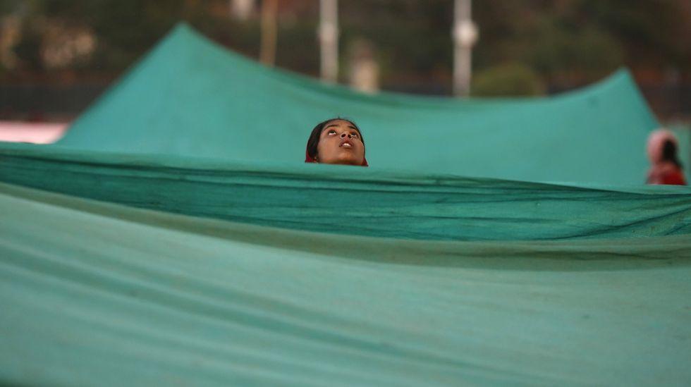 Una superviviente del terremoto en los campamentos dispuestos en Katmandú.