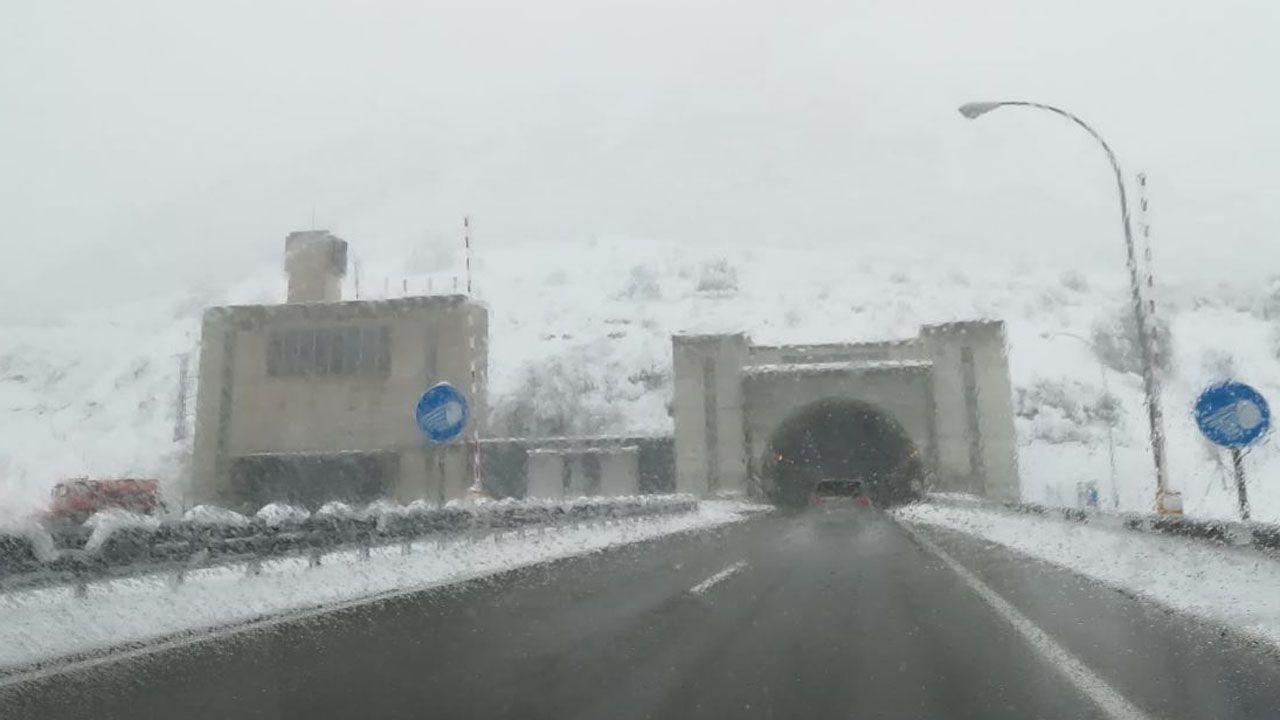 El túnel del Negrón nevado
