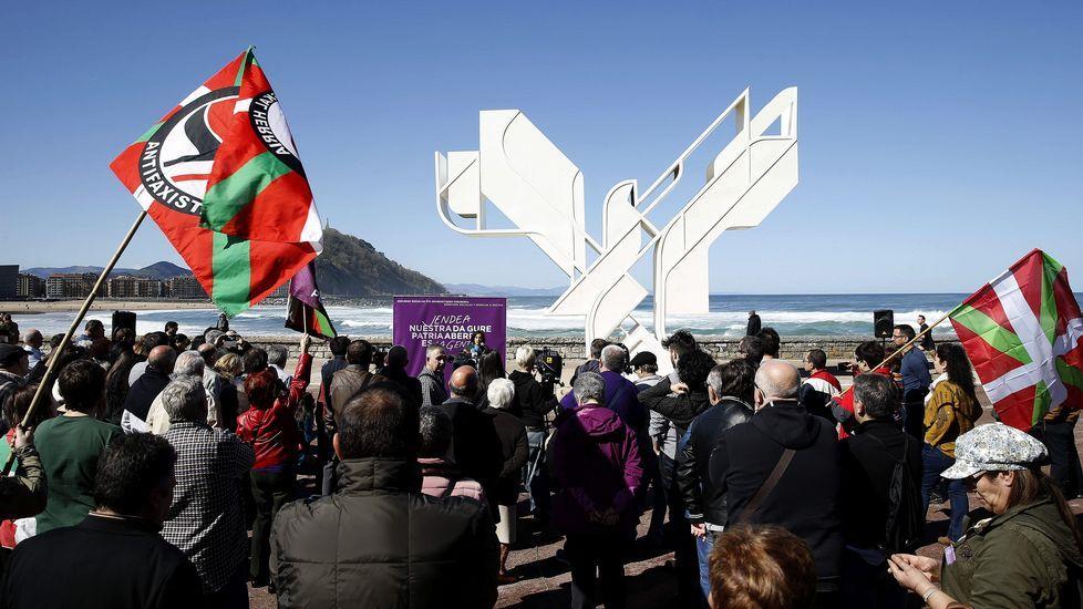 .El acto de Podemos por el Aberri Eguna tuvo muy poco público