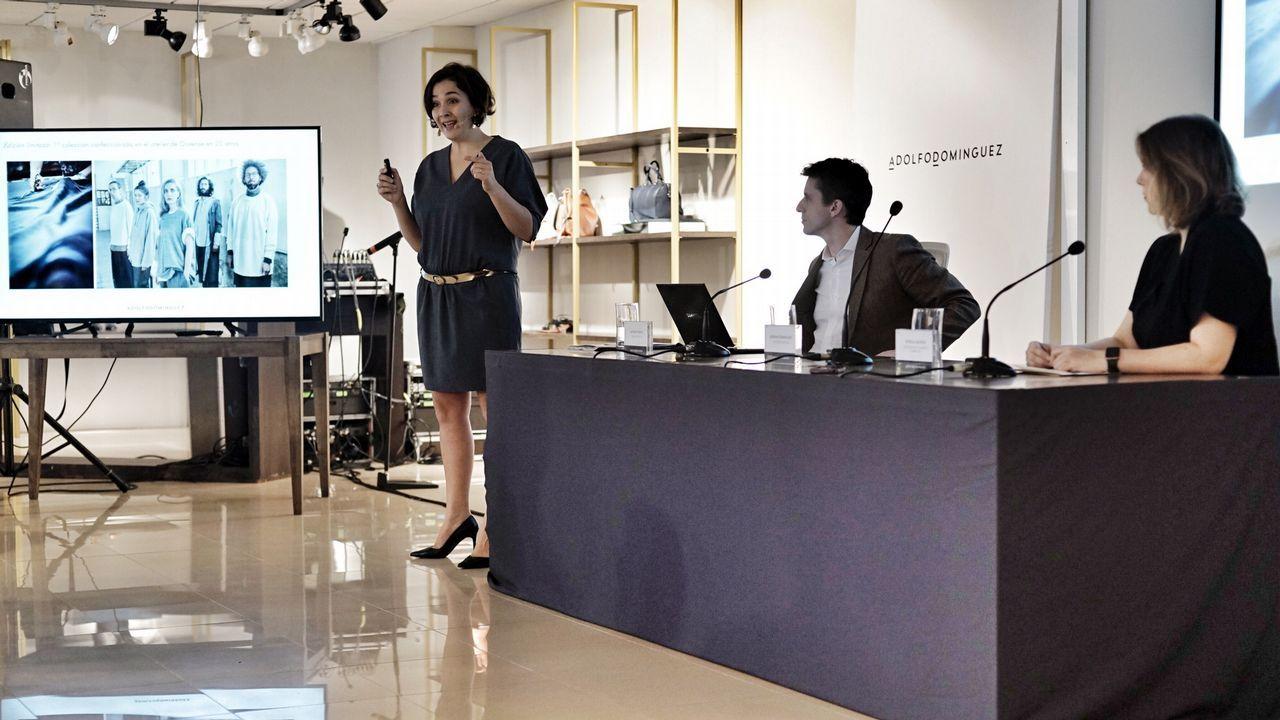 Adriana Domínguez presenta las cuentas de la compañía textil Adolfo Domínguez.Victoria Federica, con el alcalde de Sevilla Juan Espadas y el presidente del Real Club de Enganches, Jesús Contreras