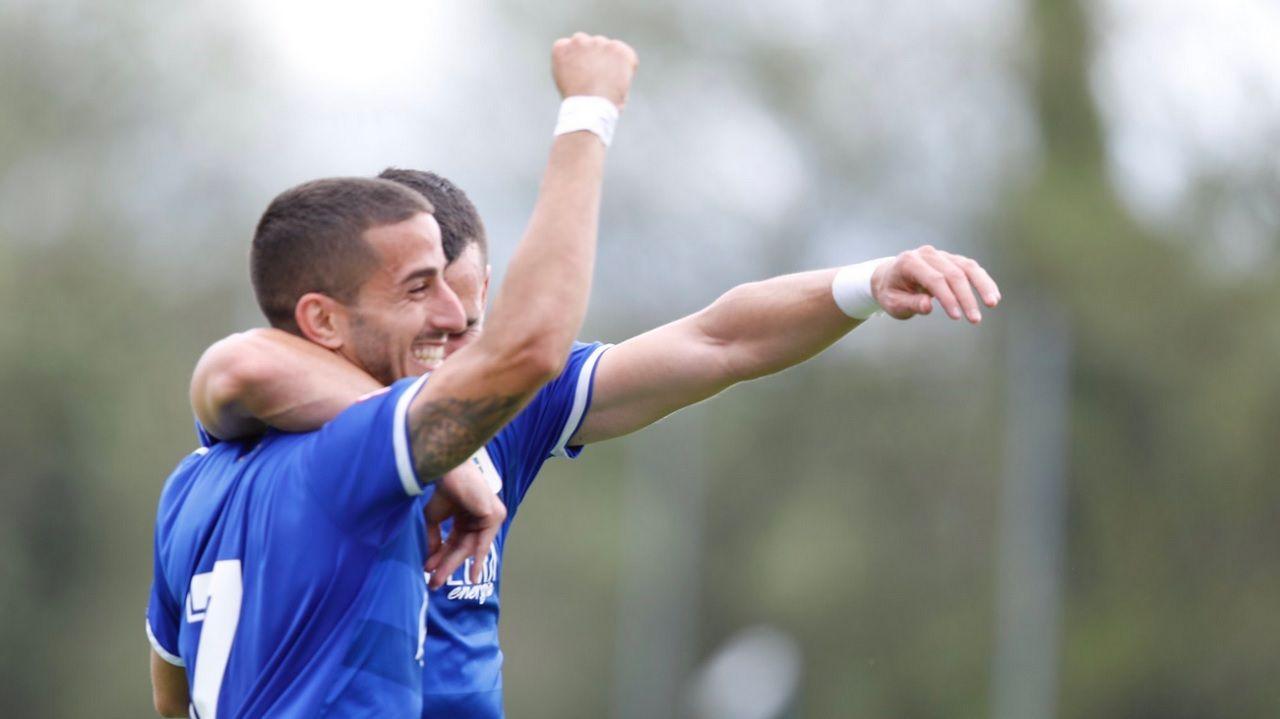Gol Ernesto Vetusta Real Sociedad B Requexon.Ernesto celebra uno de sus goles ante la Real Sociedad B