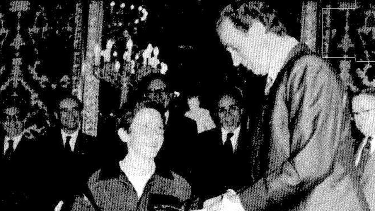 Misa por don Juan presidida por los Reyes.Marie-Chantal Miller junto a su marido Pablo de Grecia y sus suegros, Constantino (hermano de doña Sofía) y Ana María