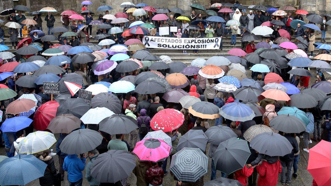 Apoyo multitudinario en Tui a los afectados por la explosión pirotécnica en Paramos.
