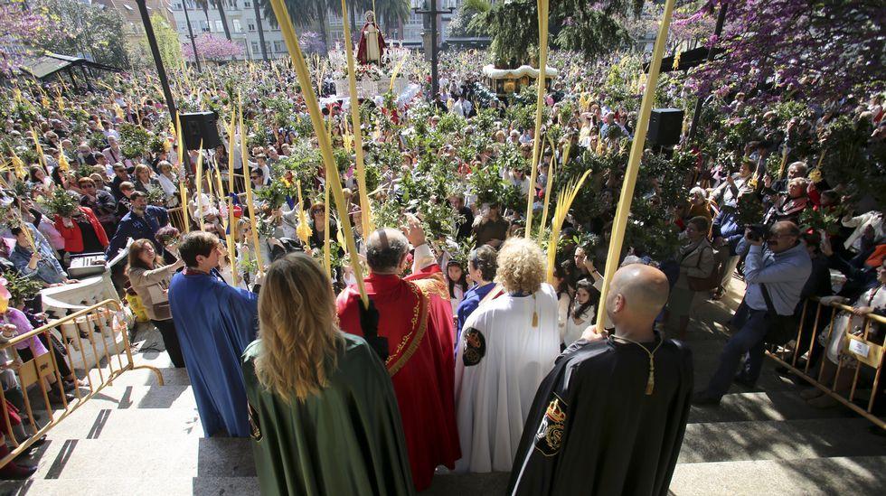 Multitudinario arranque de la Semana Santa en Ferrol