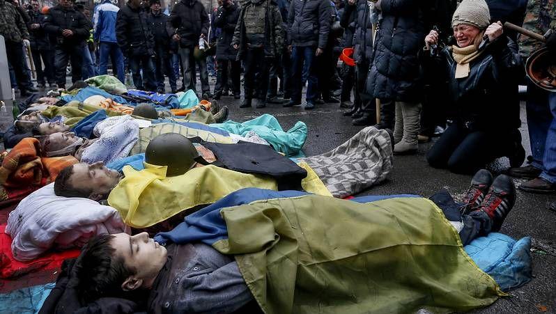 Sangrientos disturbios en Ucrania.Carroza del carnaval de Colonia con Klitschko y Putin