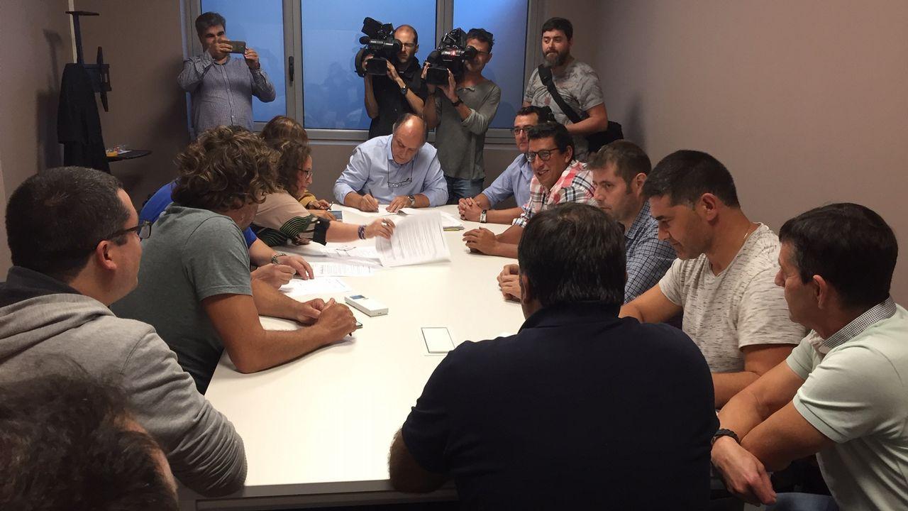 ¿Por qué cierra Alcoa en A Coruña dejando sin empleo a casi 400 trabajadores?.Alberto Núñez Feijoo y Javier Fernández