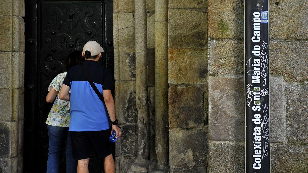 .PINTADAS EN LA CIUDAD VIEJA ENTORNO A LA COLEXIATA DE SANTA MARIA DO CAMPO