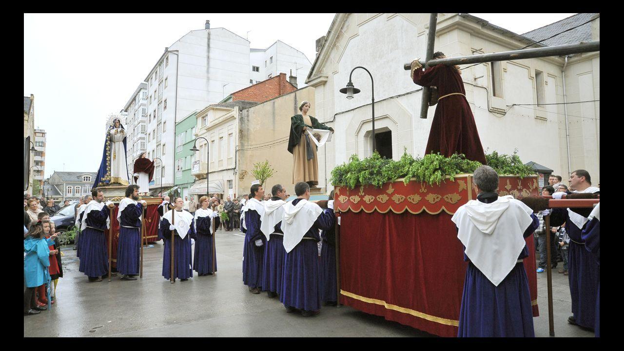 Viveiro cierra la Semana Santa con el Vía Lucis.Estado que presentaba la tarde del jueves la playa de As Catedrais