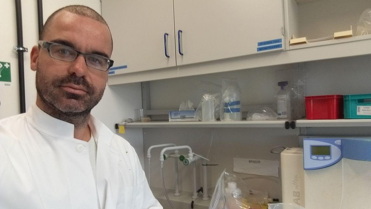 .El investigador asturiano Mario Lebrato