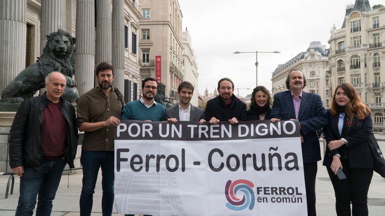 Foto de archivo de la reunión de la candidatura Entre todas en Santiago
