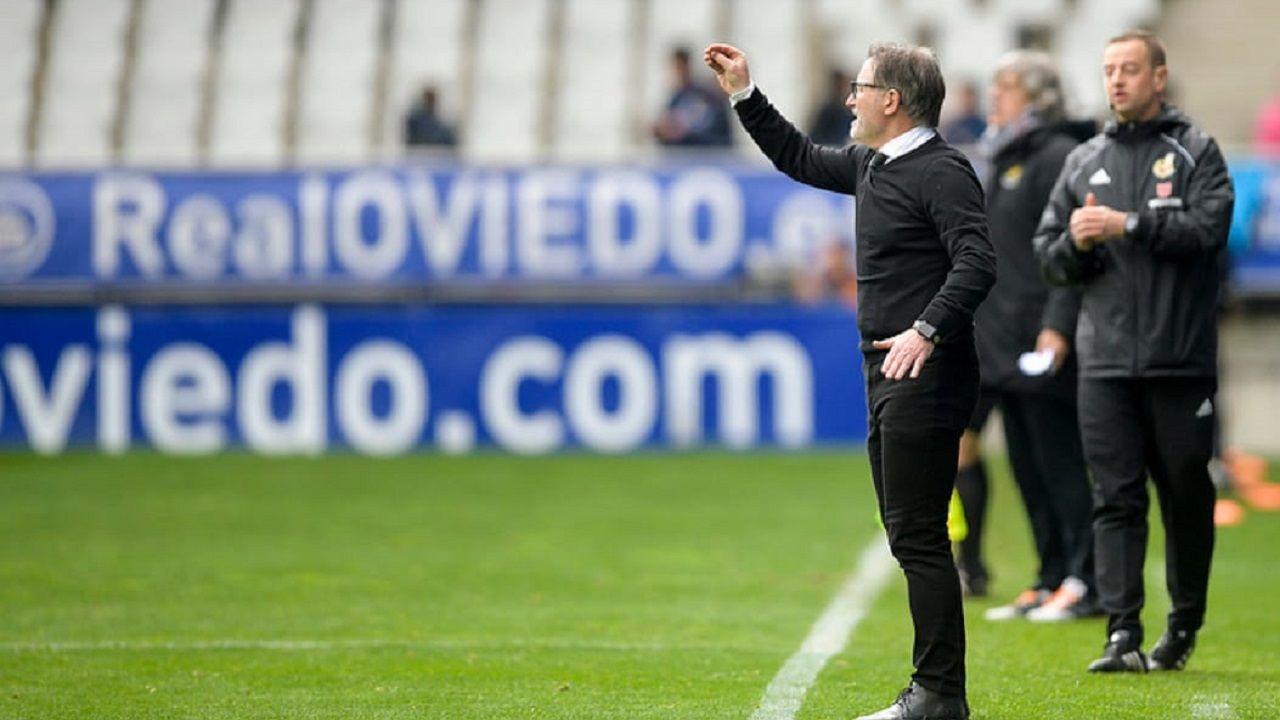 Juan Antonio Anquela durante el Oviedo-Nàstic