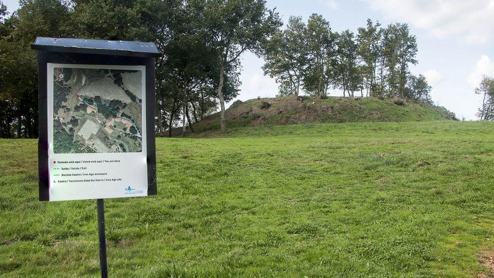 Croa o recinto central del castro, a poca distancia del Ecomuseo de Arxeriz