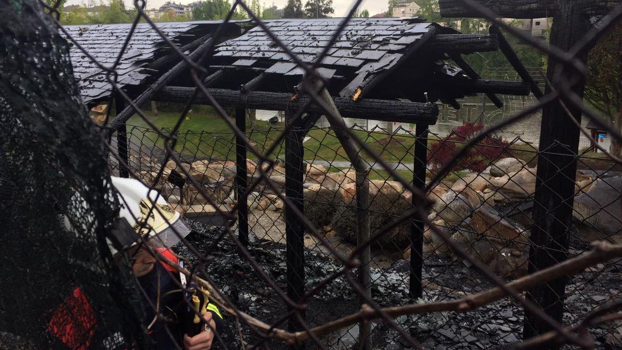 Un voraz incendio destruye las termas de A Chavasqueira en Ourense