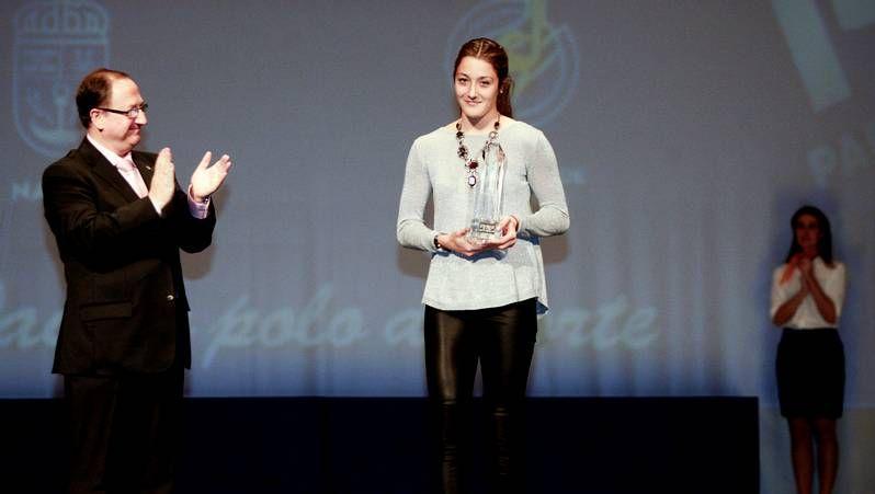 Goles y toda la actualidad de la Premier League.Ramón Plana (derecha) ofreció ayer una conferencia sobre compost en el Teatro Principal.