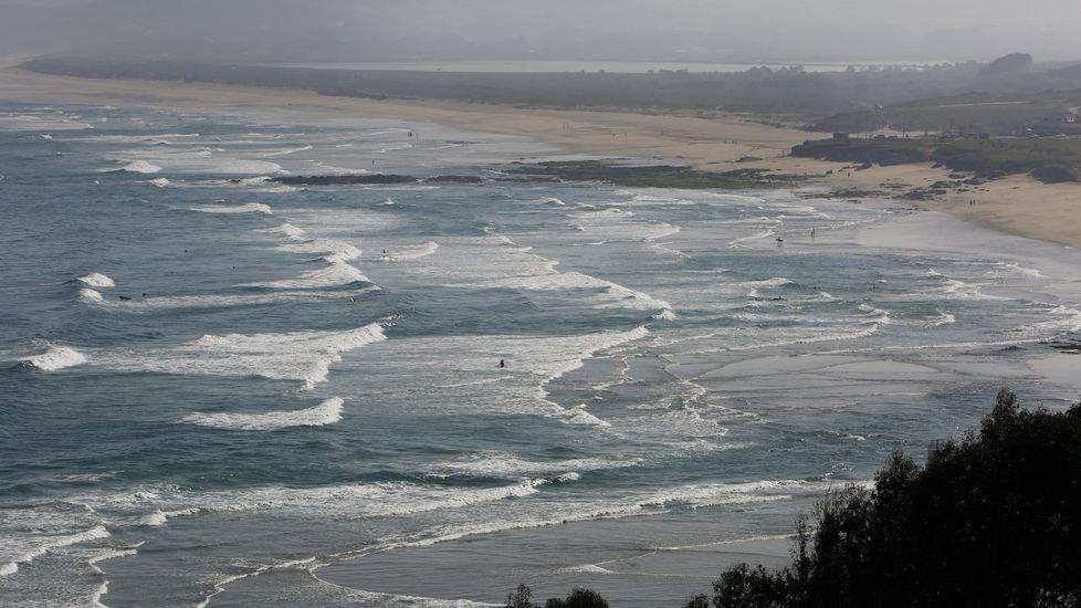 Razo. Esta de Carballo es una de las más recomendadas para la práctica del surf