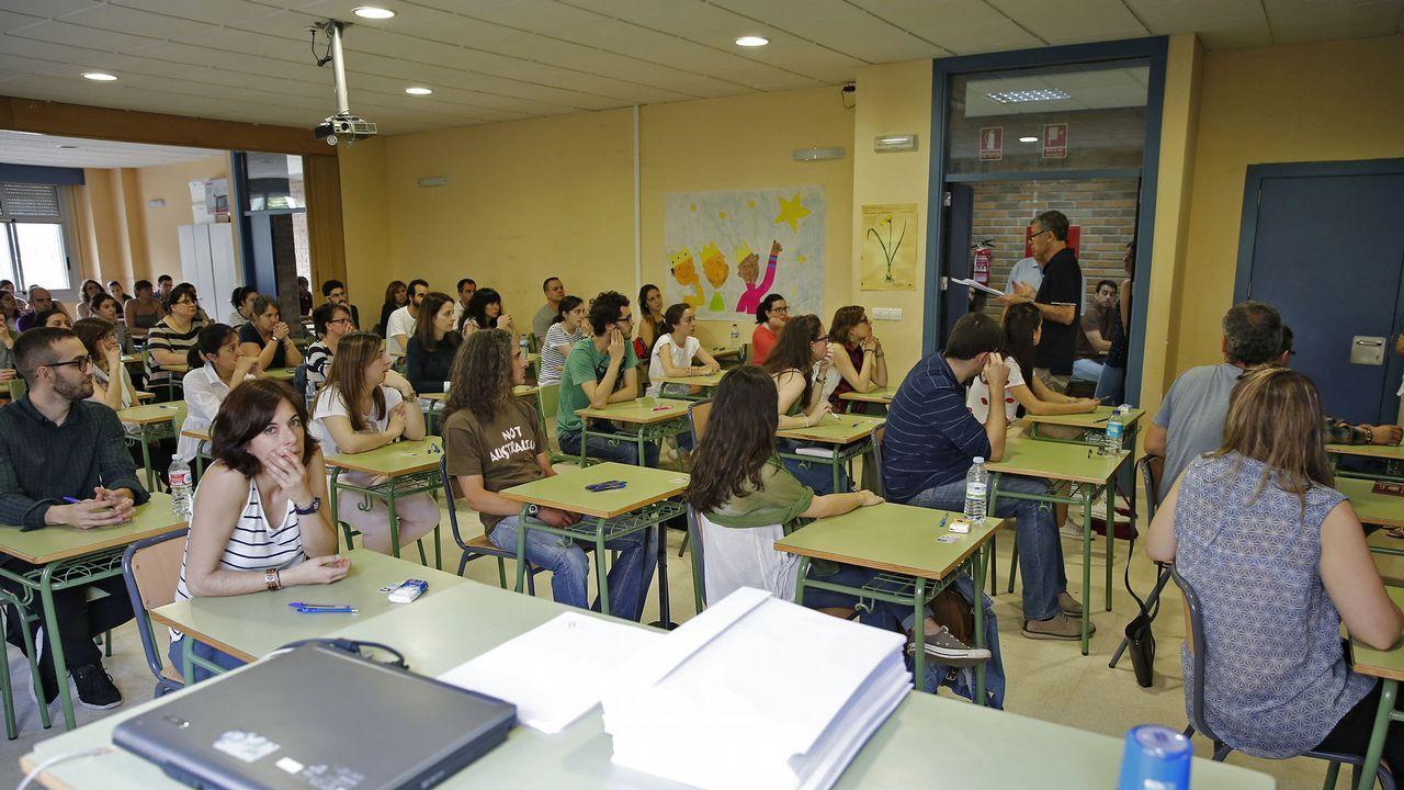 Las fotos del concierto de Café Quijano en Monforte.El presidente del Colegio de Graduados Sociales de Asturias, Óscar Martínez.