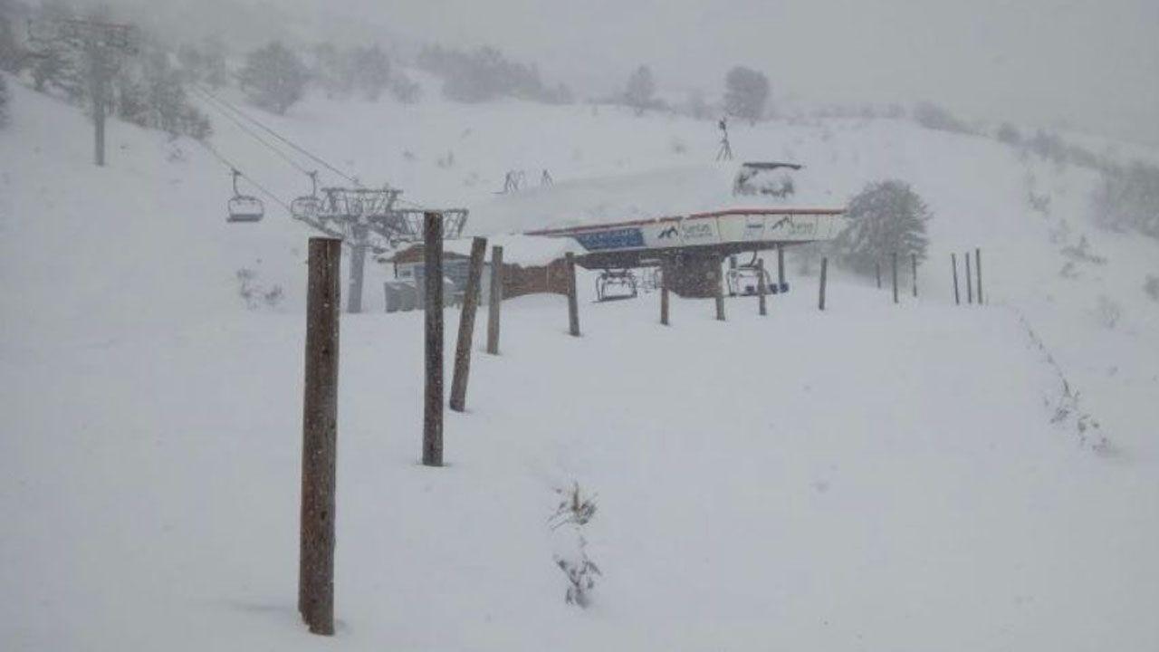 La estación Fuentes de Invierno cubierta de nieve