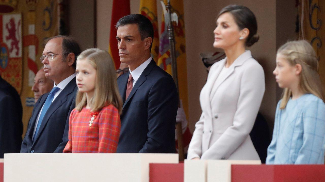 Los reyes posan con los premiados en los Premios Princesa de Asturias.Los Reyes esperan para su audiencia a los ganadores del Premio Nacional de Fin de Carrera, en Oviedo, donde presiden la ceremonia de entrega de los Premios Princesa de Asturias 2017