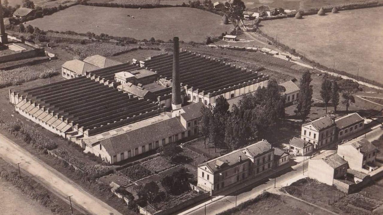 Vista aérea de la fábrica de La Algodonera a principios de los años 60