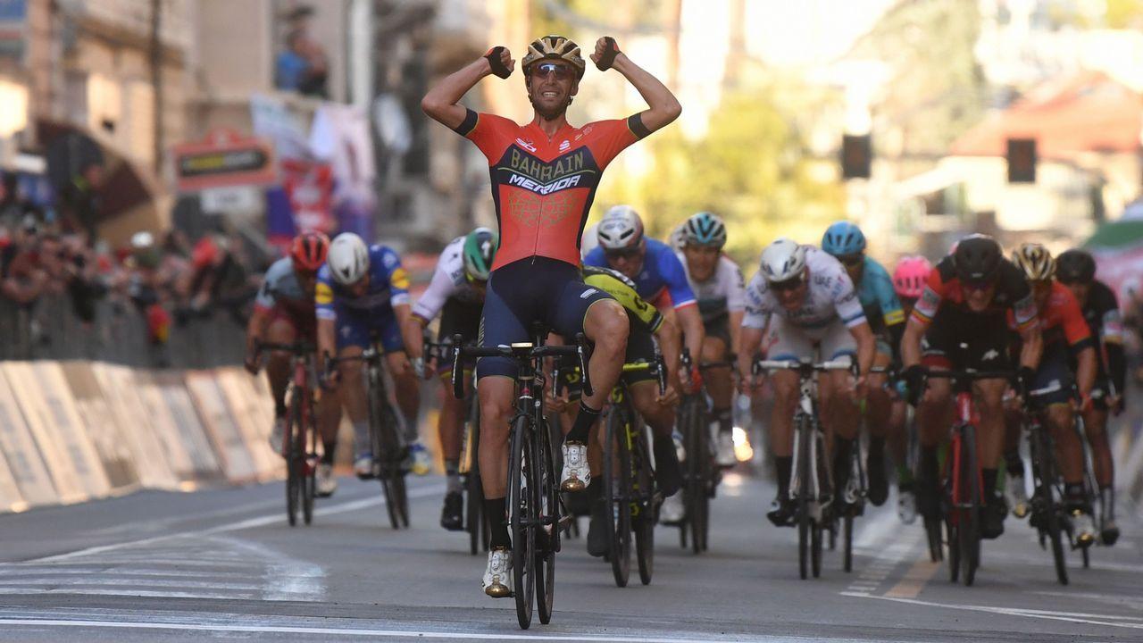 Ricardo Maestre se impuso en la última etapa de la Vuelta Asturias, con final en la calle Uría de Oviedo