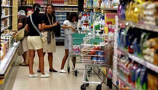 Elche - Deportivo, las mejores imágenes.El día de la inauguración del supermercado acudieron numerosos clientes desde primera hora
