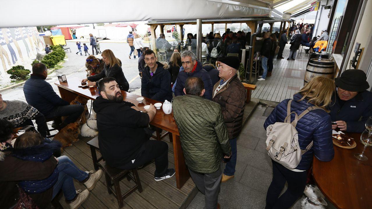 Vigilantes de Costas atribuyen la tragedia de As Catedrais a la «mala suerte».Los visitantes volvieron ayer a la playa de As Catedrais, pero no pudieron acceder a las grutas