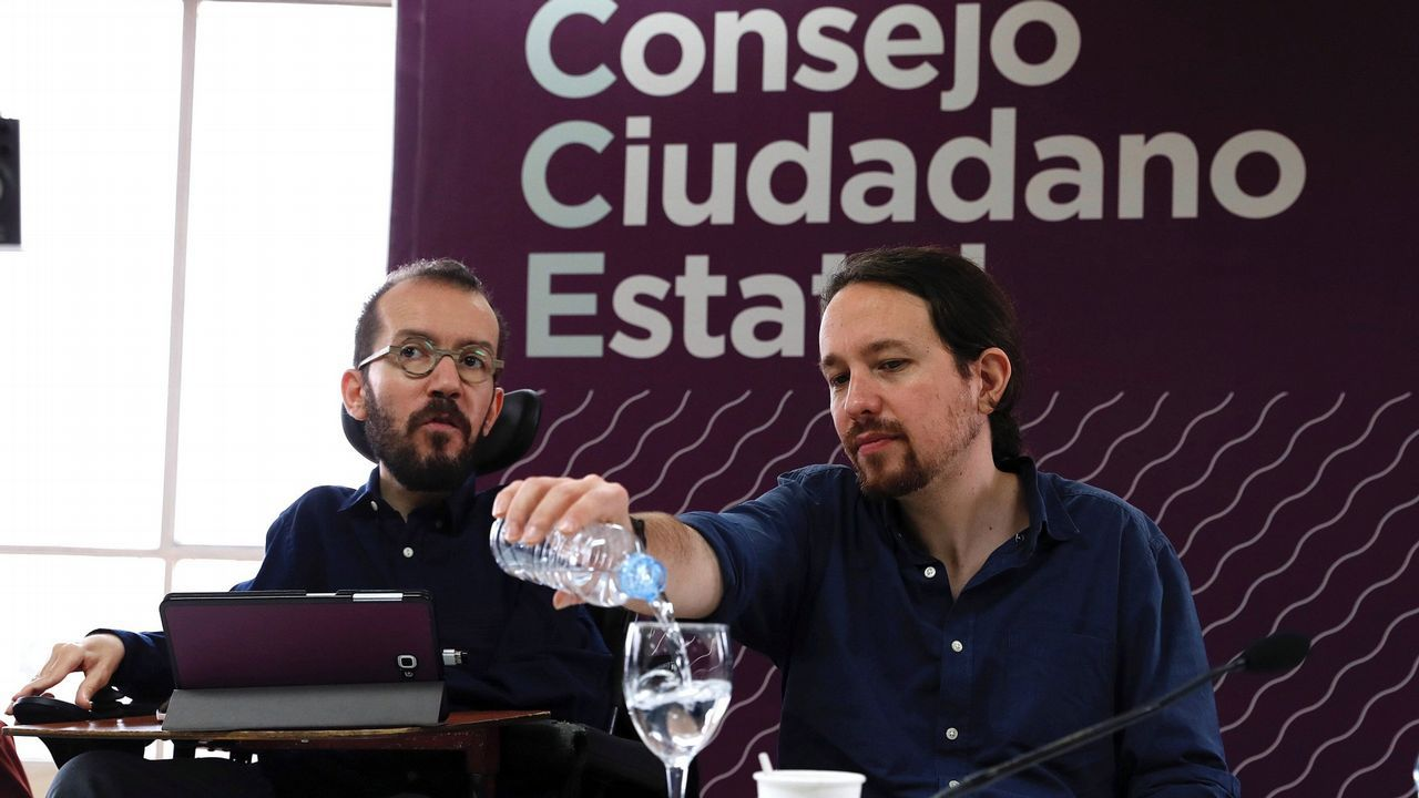 Villares: «A compañeira Quinteiro non debería seguir no exercicio das súas funcións»