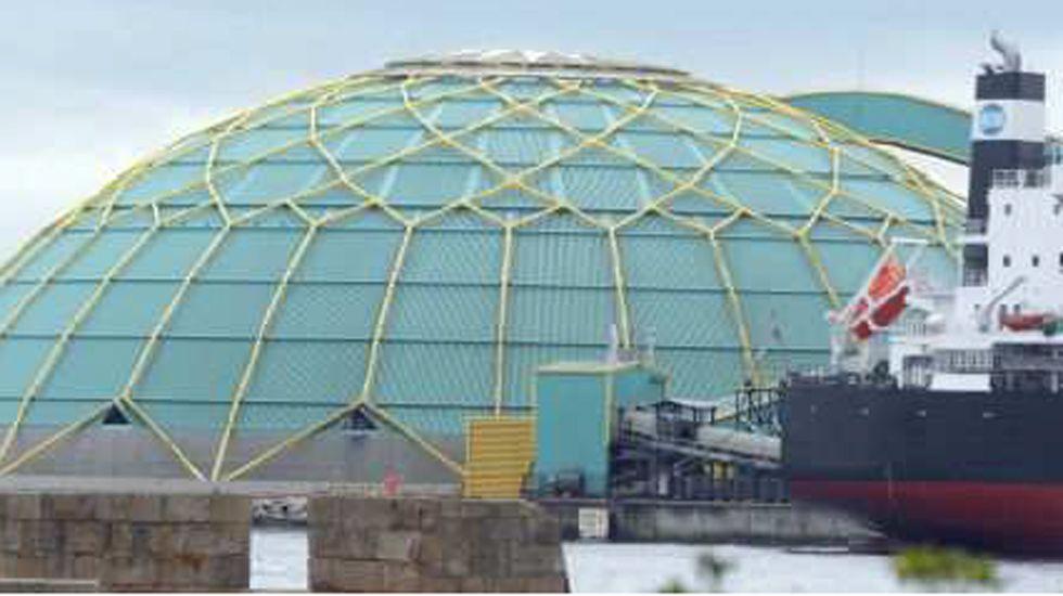 Agentes del Greim, rescate entre la niebla.La «Medusa» del puerto de A Coruña
