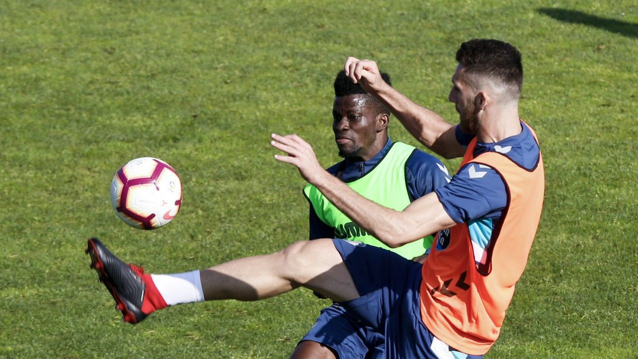 Boateng Real Oviedo Mallorca Carlos Tartiere.Sporting