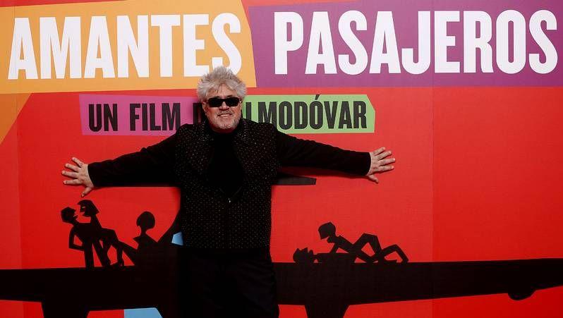 «Los amantes pasajeros» de Almodóvar llegan a los cines