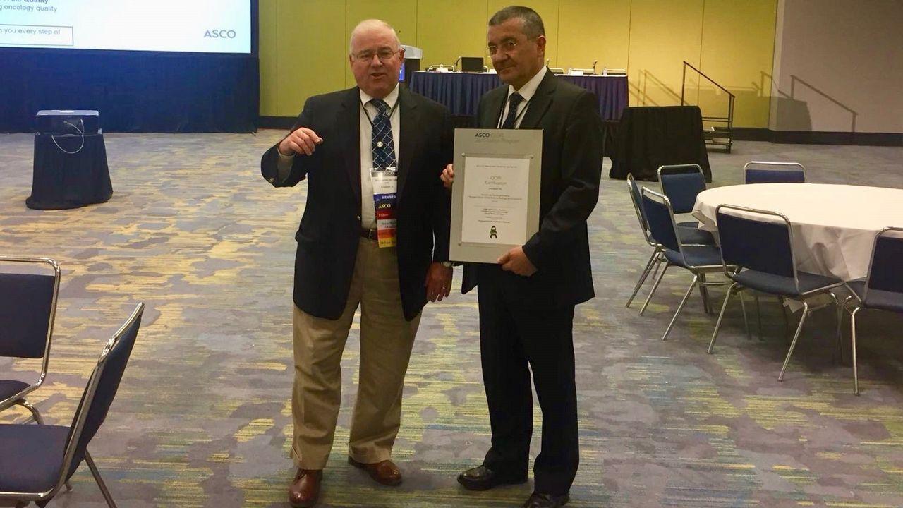 Rafael López, del CHUS, recibió la acreditación en Chicago