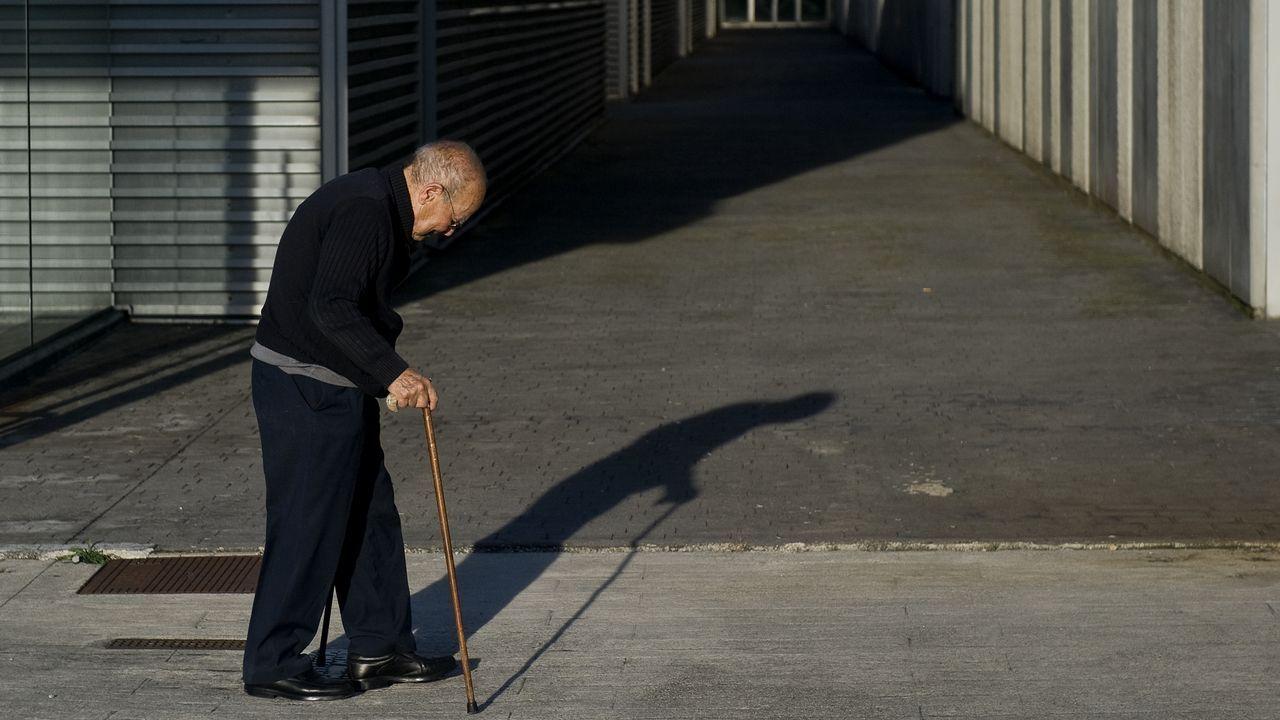 «Llevo una vida menos esclava y puedo marcarme horarios».Escrutinio del voto emigrante en el 2005 en A Coruña
