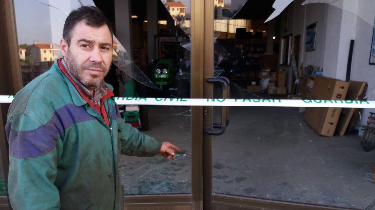 CIS Aixiña: Entidades sociais de Ourense deseñan unha X humana..En A Gudiña funciona la Casa Niño