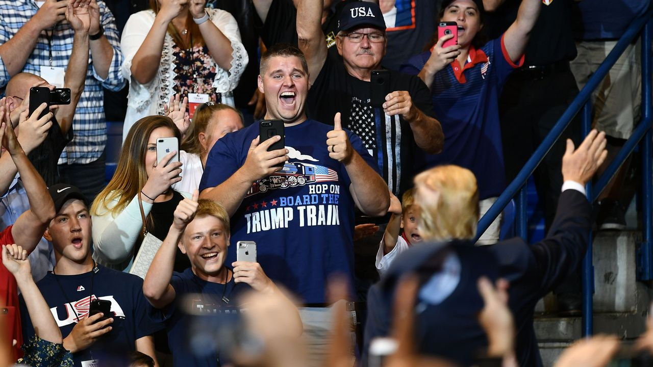 Los seguidores no dejaron de aplaudir a Trump en el mitin en Wilkes-Barre, en Pensilvania