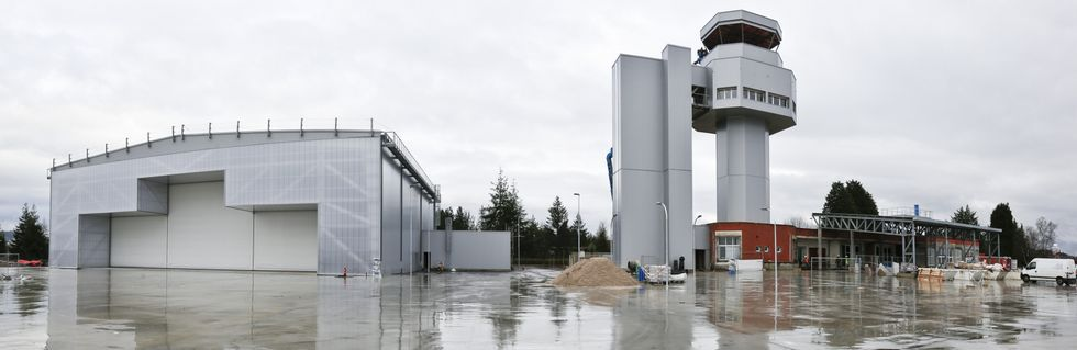En el aeródromo de Rozas construirán un segundo hangar para que desarrollen sus actividades las dos empresas a las que adjudicaron el concurso.