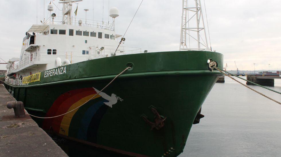 La escala gijonesa del navío más veterano de la flota «Greenpeace»