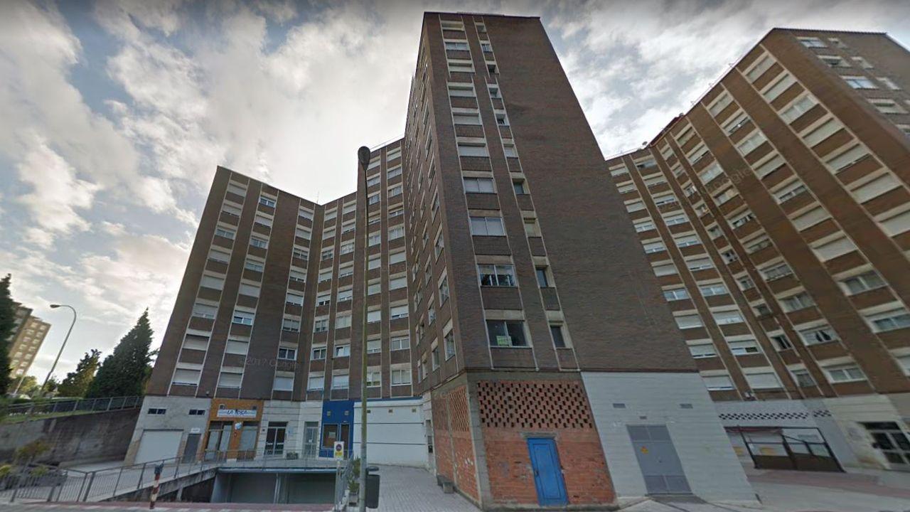 Bloque donde tuvo lugar el incendio en la cocina de una vivienda de la quinta planta del número 10 de la calle La Toba