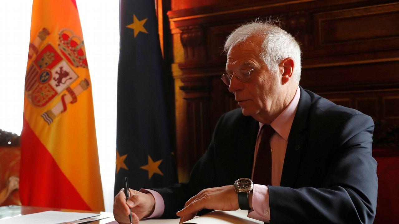 El belén artesanal de Valga en imágenes.Borrell firmó ayer en su despacho los cuatro memorando sobre el Peñón pactados con Londres