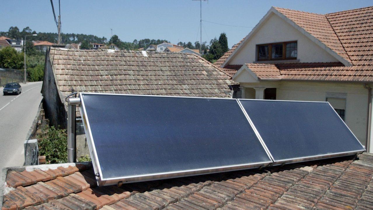 El Gobierno regula el autoconsumo eléctrico.Factoría de Alcoa en Avilés