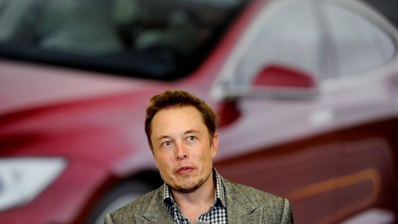 La carga más cara del mundo, segunda parte.La familia Fuertes intentó recargar sus Tesla en la electrolinera Galp de Lapido (Ames) el pasado fin de semana