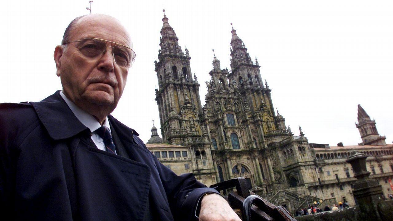 Fernández Albor saluda cordial y efusivamente en el 87 a Manuel Fraga en el acto de clausura de la Universidad Internacional del Atlántico