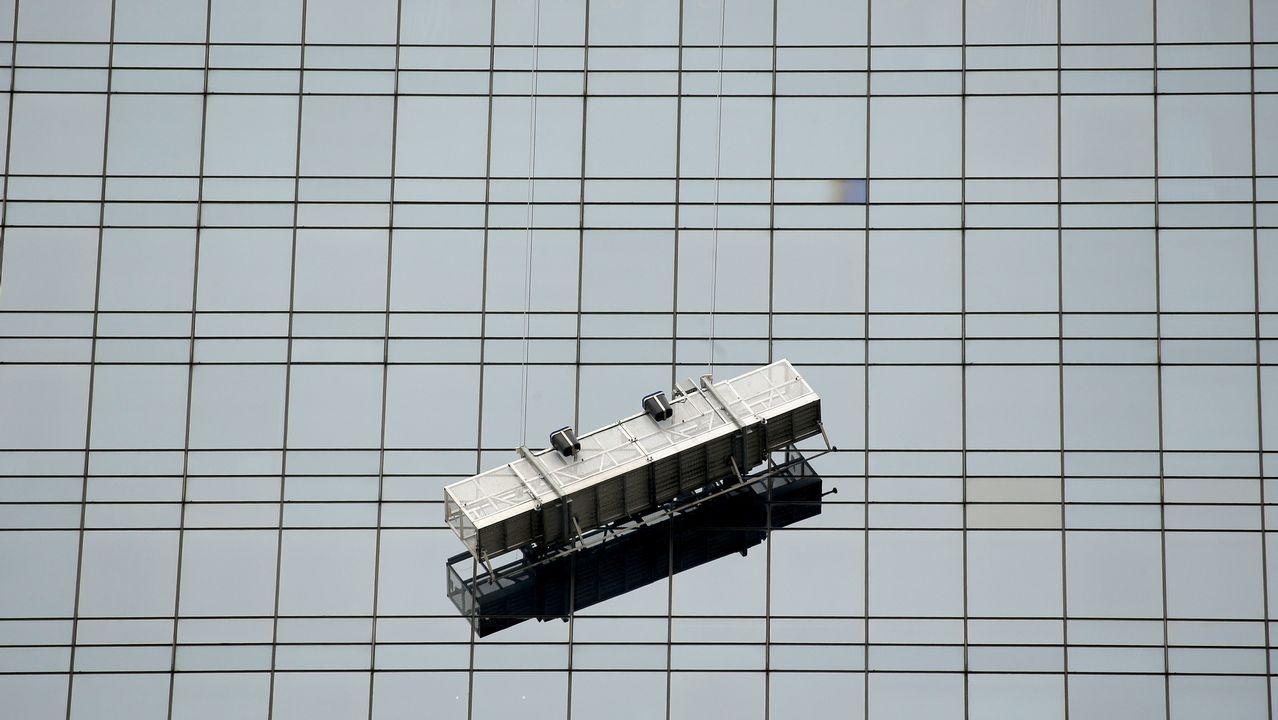 .Limpieza de los cristales en una de las torres de Manhattan