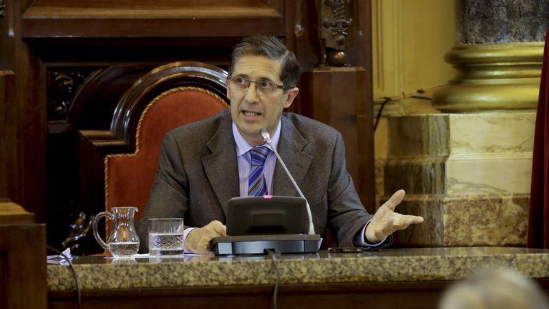 Arvanitis fue despedido de la televisión pública.