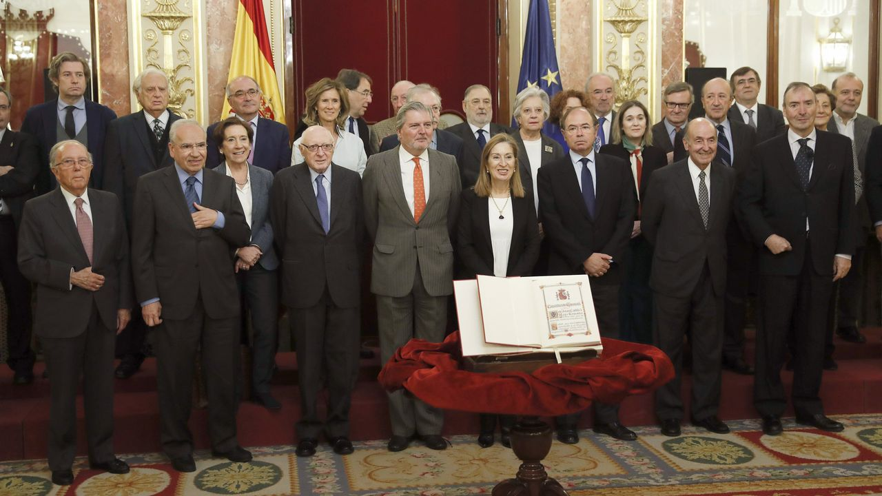 El 39 aniversario de la Constitución española.Íñigo de la Serna presenta el Plan de Vías en Gijón