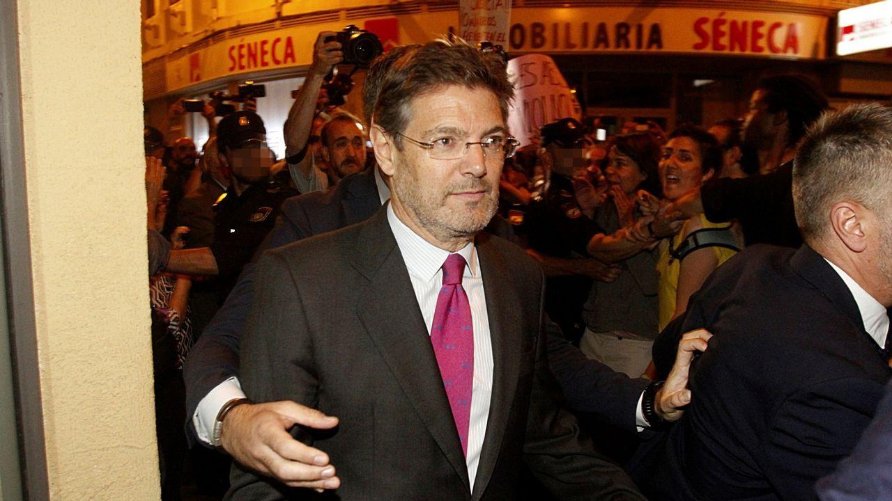 Toni Comín: «Basta ya de abusar del Código Penal para perseguir a responsables políticos».Los miembros de la comisión internacional elegida por ETA
